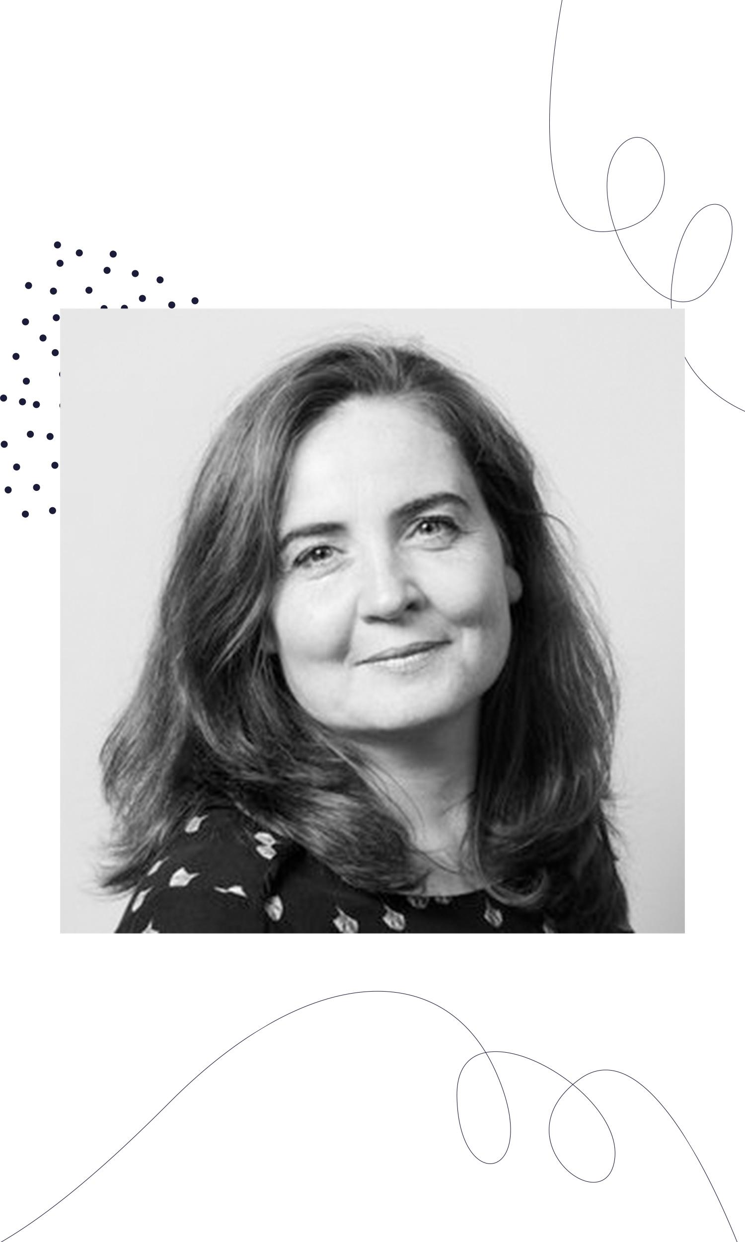 Dorte Nielsen - Dorte Nielsen este expert global in educatie si creativitate, iar in ultimii 12 ani a predat cursuri de gandire creativa in cadrul Danish School of Media and Journalism din Danemarca. Pe langa rolul de profesor, Dorte faciliteaza ateliere de creative-problem-solving pentru companii, si este autorul mai multor carti si culegeri de exercitii practice pe tema creativitatii si gandirii creative.