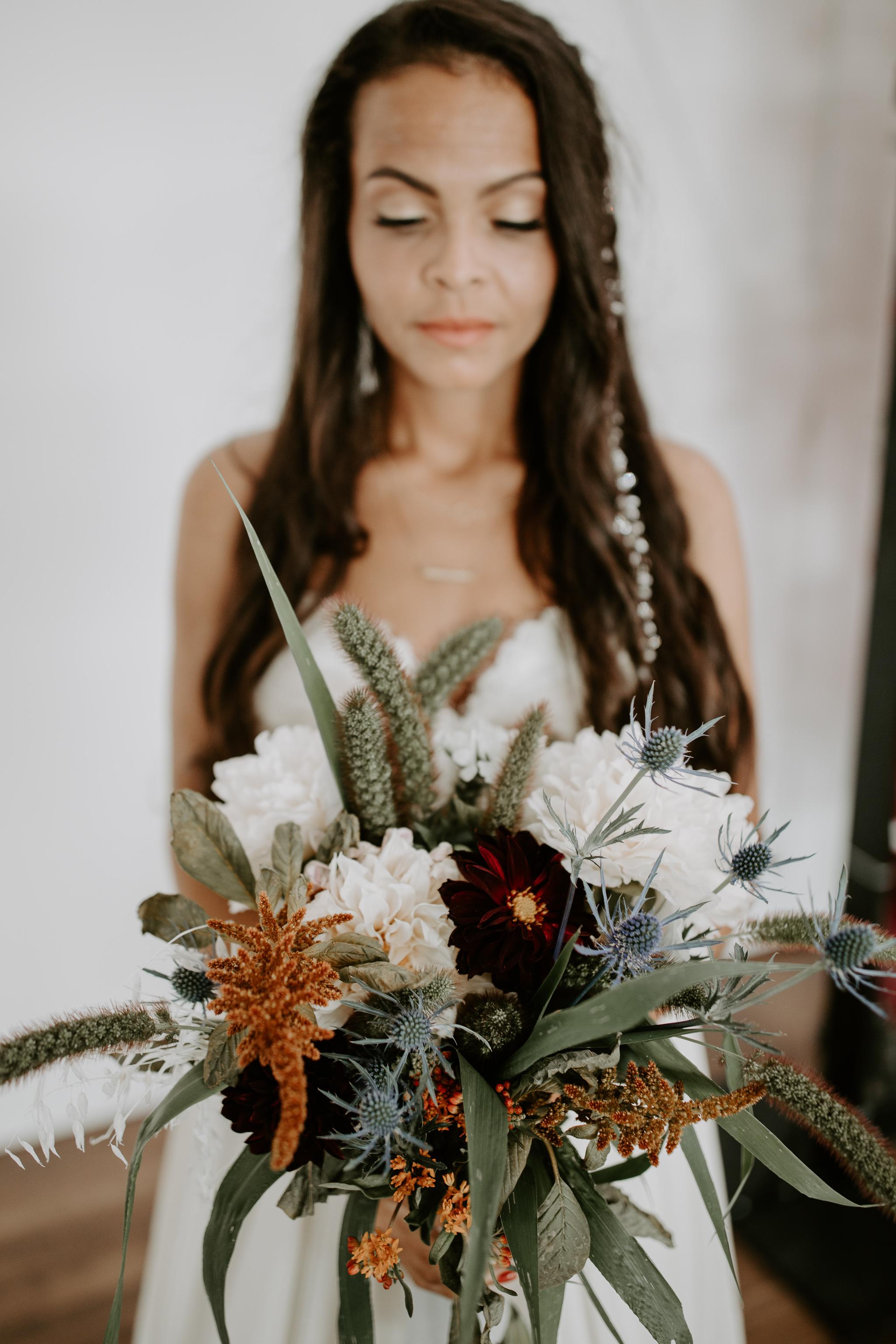 Modern bridal bouquet and modern floral arrangement