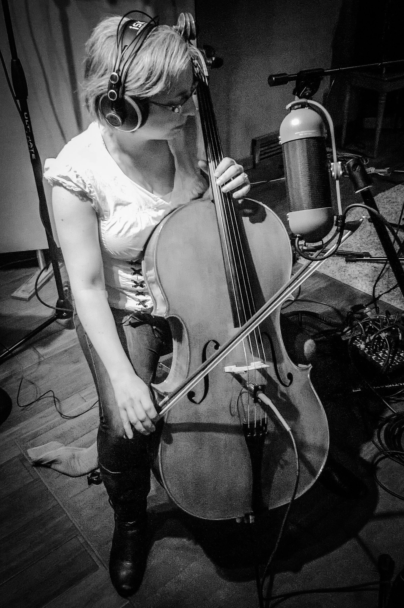Bess cello Treespeak - by Keith.jpg