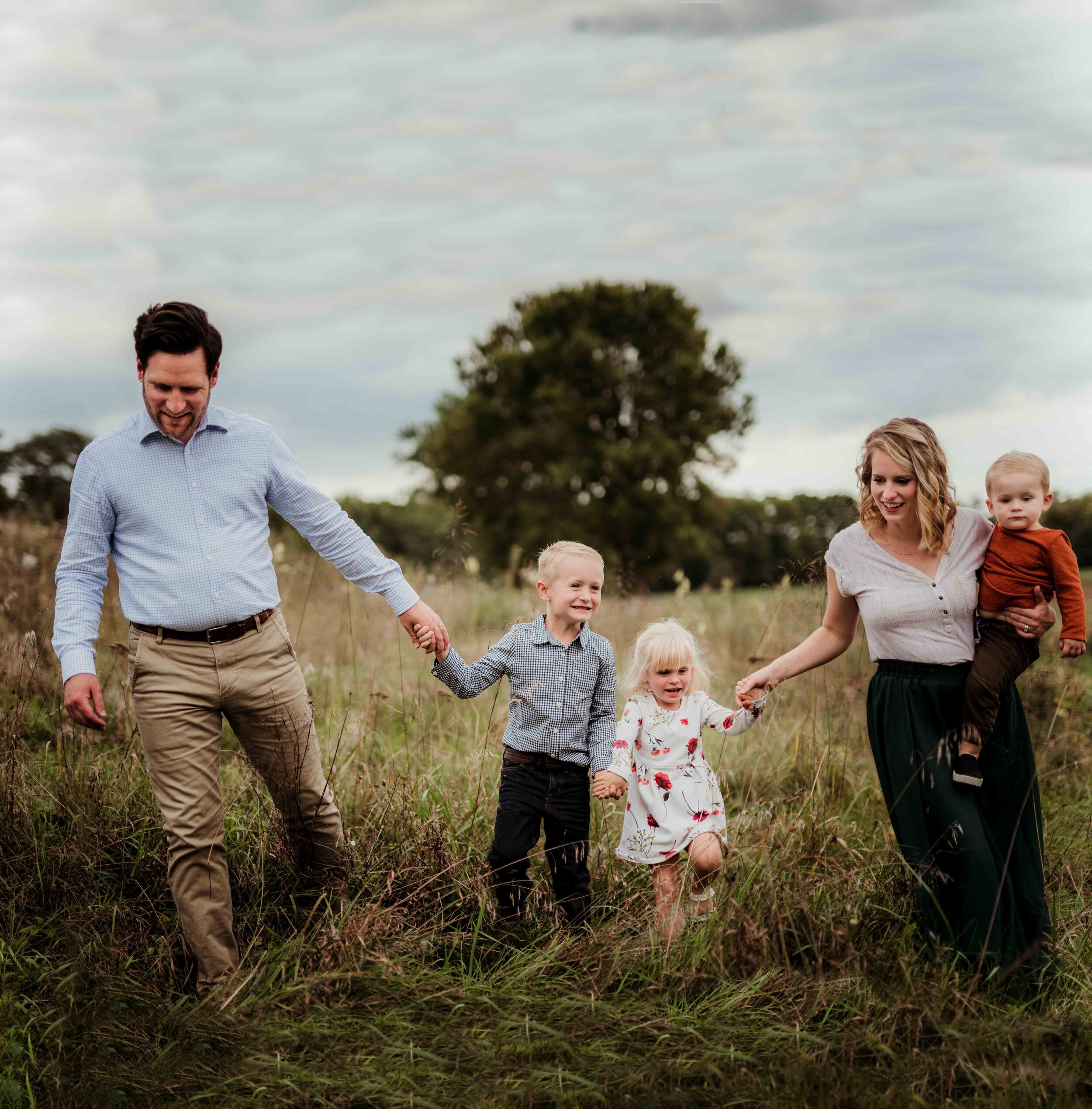 Fall Family Photos What To Wear Outfit And Inspiration Style Guide Kelly Mcphail Photography