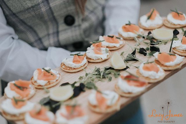 #canapes #food #foodporn #salmon #smokedsalmon #weddingfood #poshnosh #hungry #treats #imgettingmarried2020 #devonweddings #devonweddingphotographer #salcombeweddingphotographer #homemade #likeme