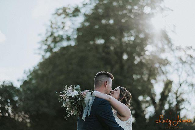 #moments #weddingday #devonwedding #candid #documentaryphotography #imgettingmarried2020 #bride #groom #timeout #flowers #fujifilm #fujifilmuk #fujixseries #devonweddingphotographer #devonweddingphotography #plymouthweddingphotographer #makingmemories #beautifulbrides
