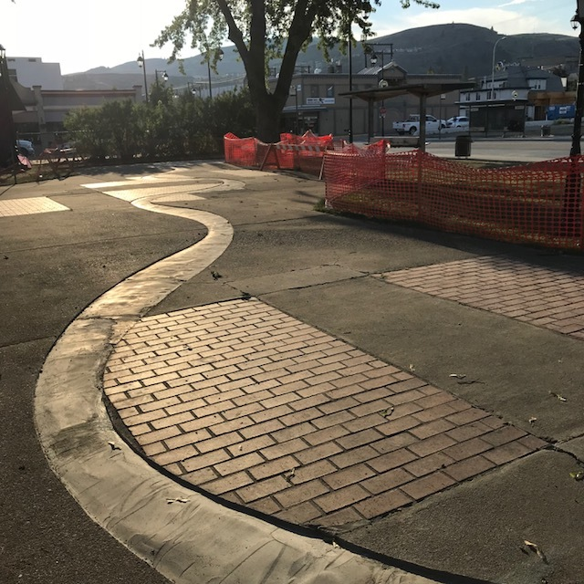 09-gabrielle-strong-mosaic-river-vernon-installation.jpg