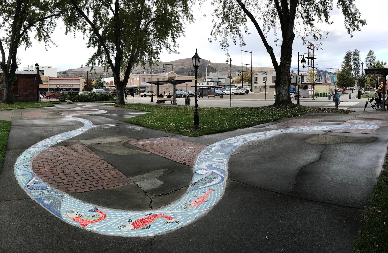 06-gabrielle-strong-public-art-mosaic-river-vernon-salmon.jpeg
