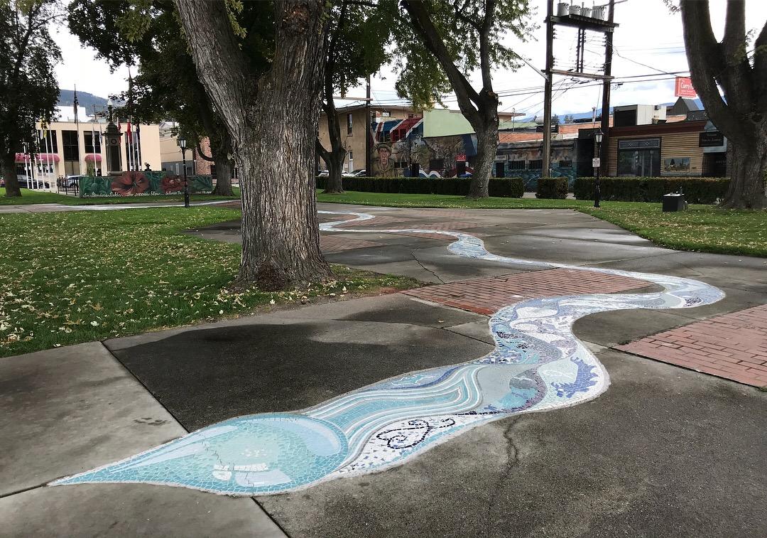 10-gabrielle-strong-public-art-mosaic-river-vernon-water-drop.JPG