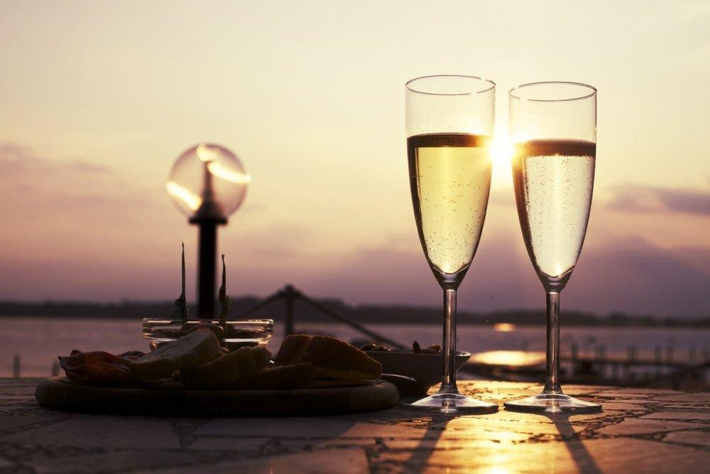 Optimized-champagne-glasses-1493398215dEj.jpg