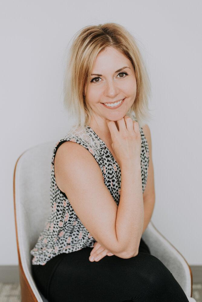 Kim Deschamps - PhysiotherapistYoga TherapistPelvic Health Therapist