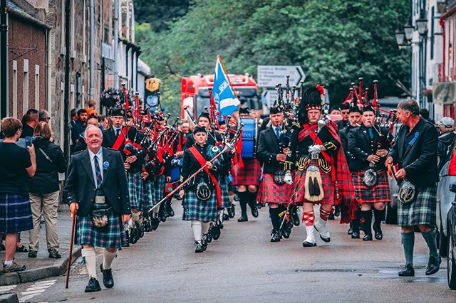 Almost time for the Helmsdale Highland games, 17th August. Who's coming in for a drink?. 📷Pipe band. On games day! • • • • • • • • • • #travel #scottishhotels #scottishhighlands #belgravearmshotel #belgravearms #helmsdale #sutherland #scotland #stags #northcoast500 #wanderlust #rustictheme #authenticdecor #familyrunbusiness #thesimpsons #travelling #traveller #wanderlust #landsendtojohnogroats #coasttocoast #tourist #tourism #timespanmuseum #sutherlands #highlands #upnorth
