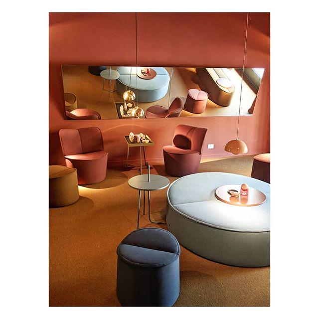 Milan Design Week 2019 @cor_sitzmoebel . . #furniture #furnituredesign #livingroom #designweek #aesthetic #design #designer #cozy  #cozyhome #cozyroom #Italy #showroom #interiordesign #homedecor