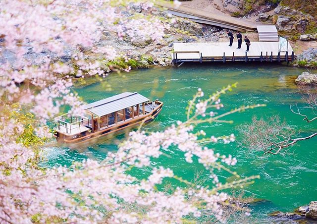 """Kyoto, Japan. Finding a hotel experience that perfectly captures the spirit of the city is key, and Hoshinoya Kyoto does just that. The hotel provides its guests with its very own interpretation of what a """"Japan of today"""" would have been like, if it had embraced its historic traditions along with modernisation. With its elegant and exquisite architecture, it fuses the traditional Ryokan with modern luxury, creating an incomparable experience for its guests."""