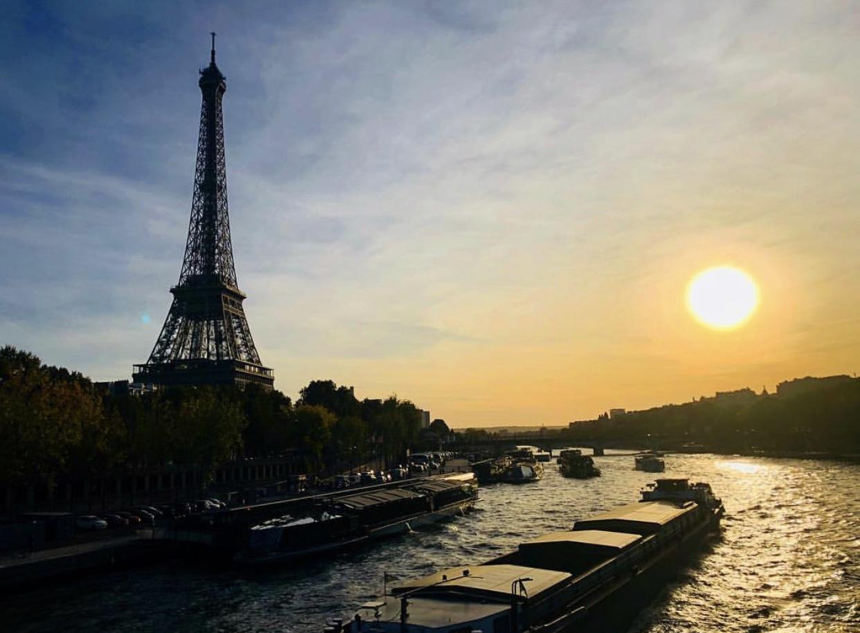 12 hours of art in paris
