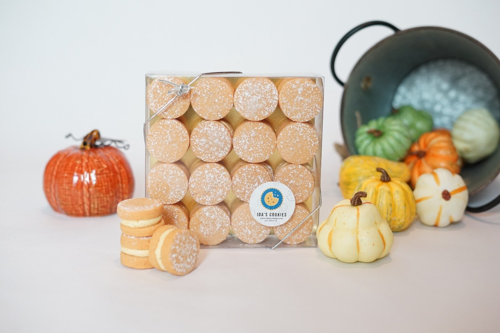 PUMPKIN SPICE SEASON IS HERE AND WE HAVE YOU COVERED!  Indulge in a box of Ida's Pumpkin Spice Shortbread Macarons this Fall and taste the festivities! Smooth velvety pumpkin spice buttercream sandwiched between two soft, melt-in-your-mouth pumpkin spice shortbread cookies, WOW! These cookies are nut-free and make the perfect gift this Thanksgiving season. What's left to say? Go try them!  $25 per 16pcs box.  Made with love in Toronto!