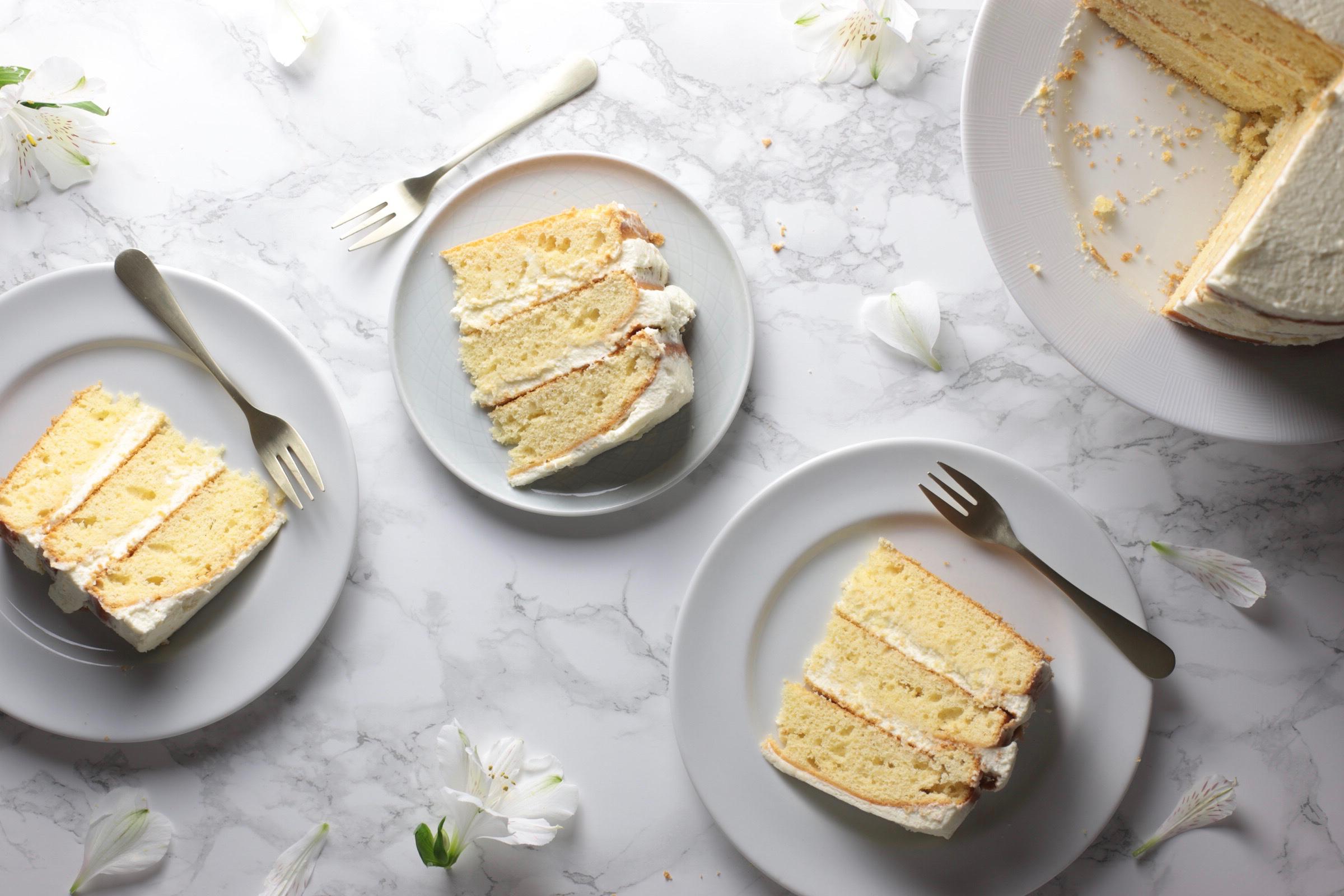 white_cake.jpg