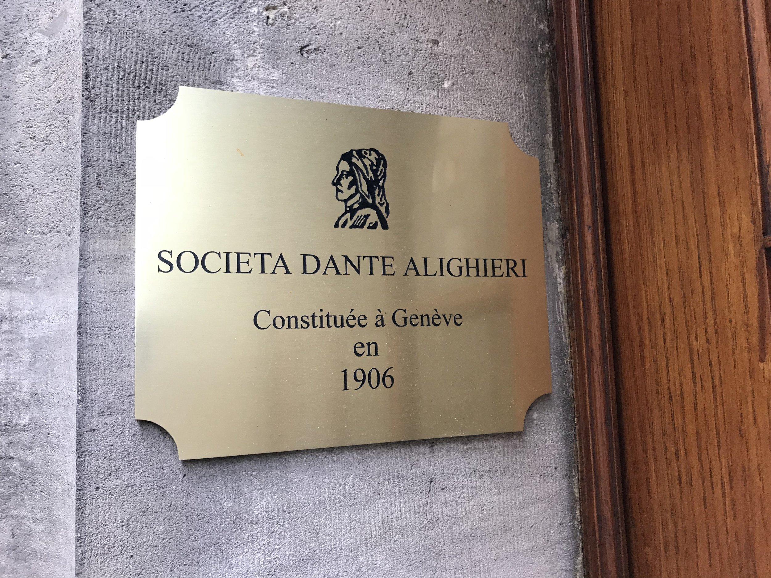 4032px-Società_Dante_Alighieri_(Geneva)_-_plaque.JPG