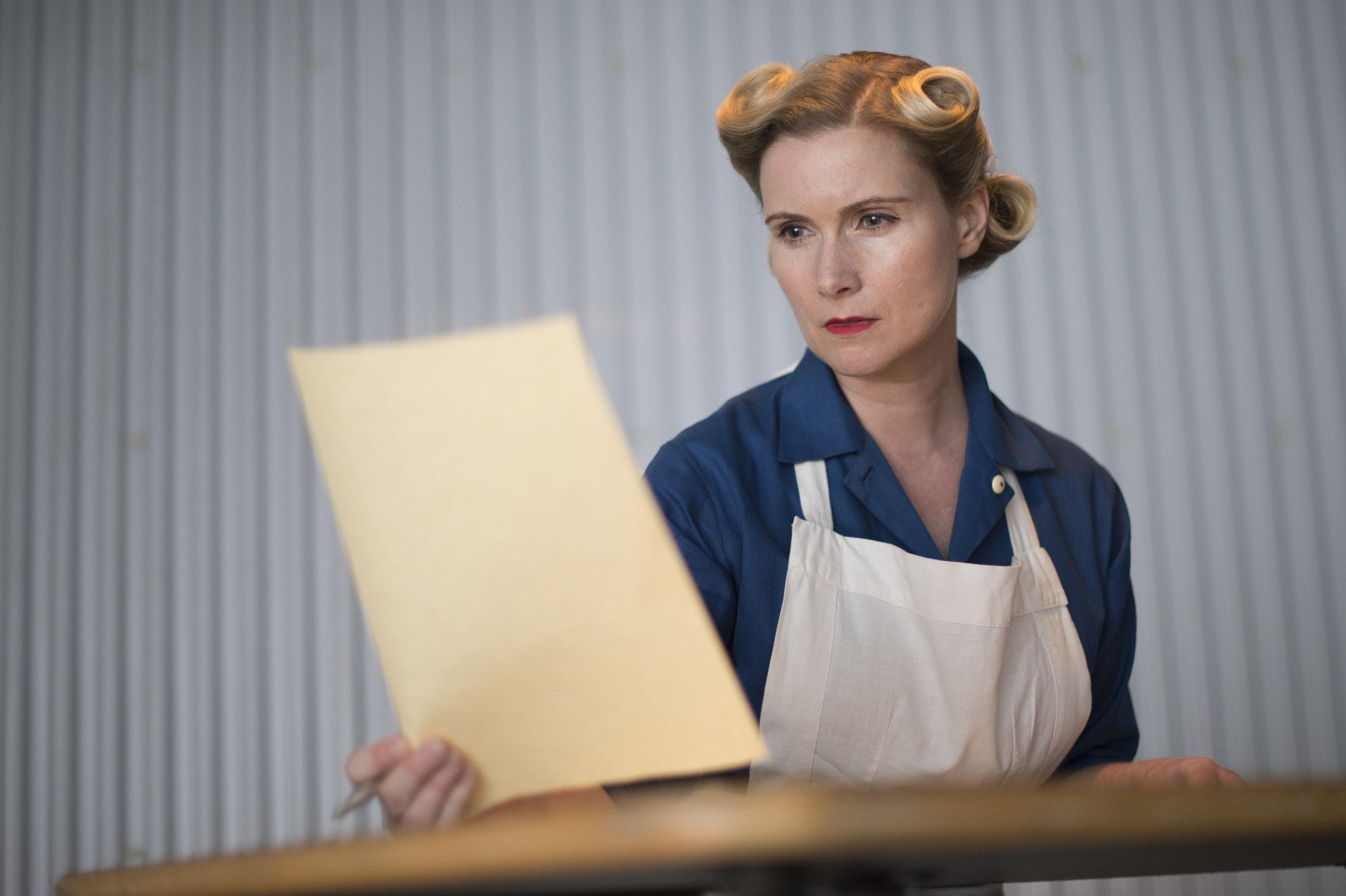 Nurse Hartmann (Kate Nieland)