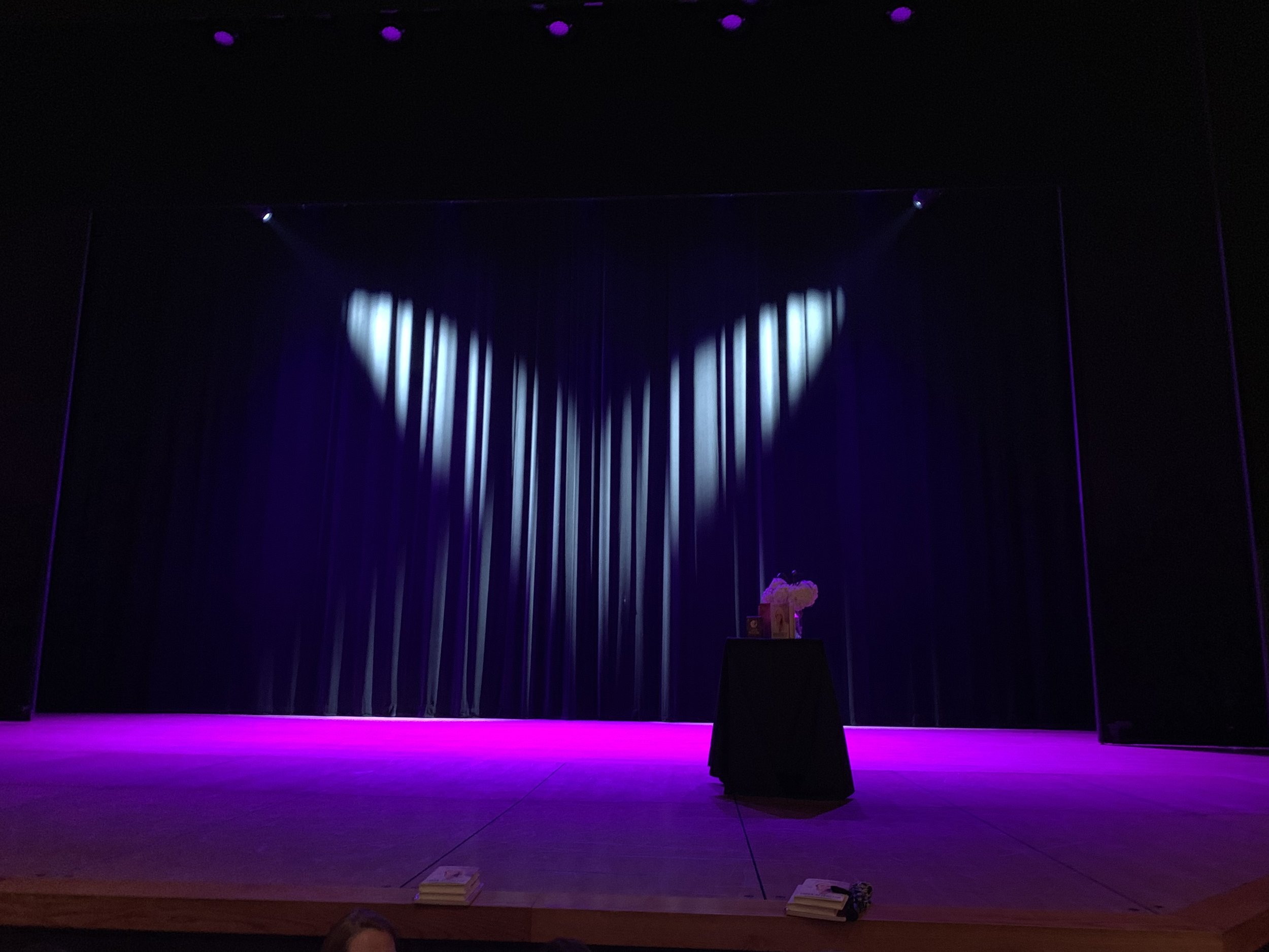 Stage!