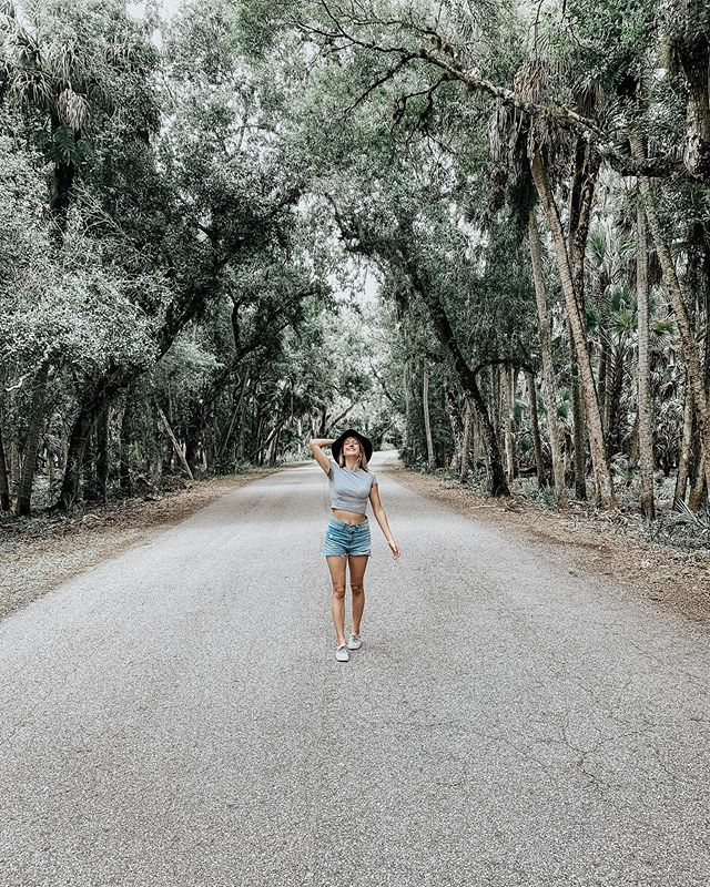 """Good memories are my retirement plan."" ↠Atticus @atticuspoetry  If you watched this vlog.. you know how sweaty I got when hiking in Myakka 😂 explains my attractive sweat stains in this picture.  #Myakkastatepark #myakkaflorida #sarasotaflorida #myakka"
