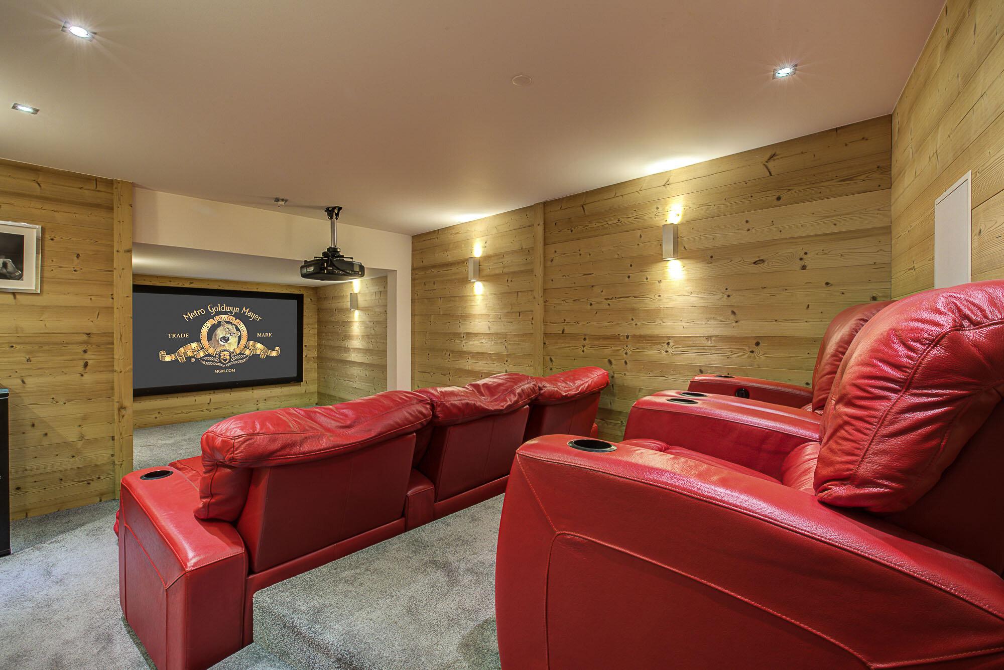 tg-ski-luxury-chalet-bouquetin-morzine-cinema-room-012.jpg