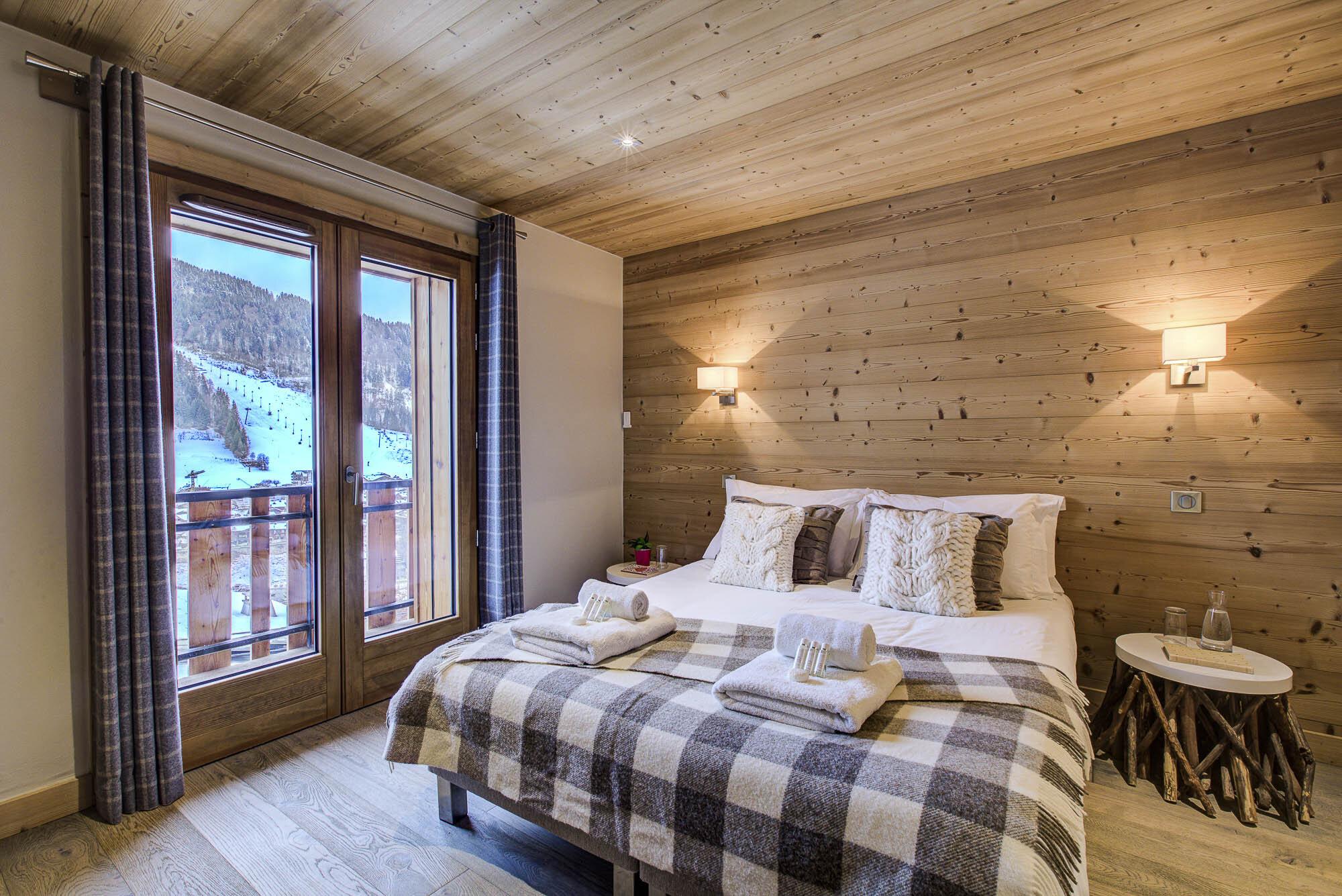 tg-ski-luxury-chalet-les-pierrys-morzine-010.jpg
