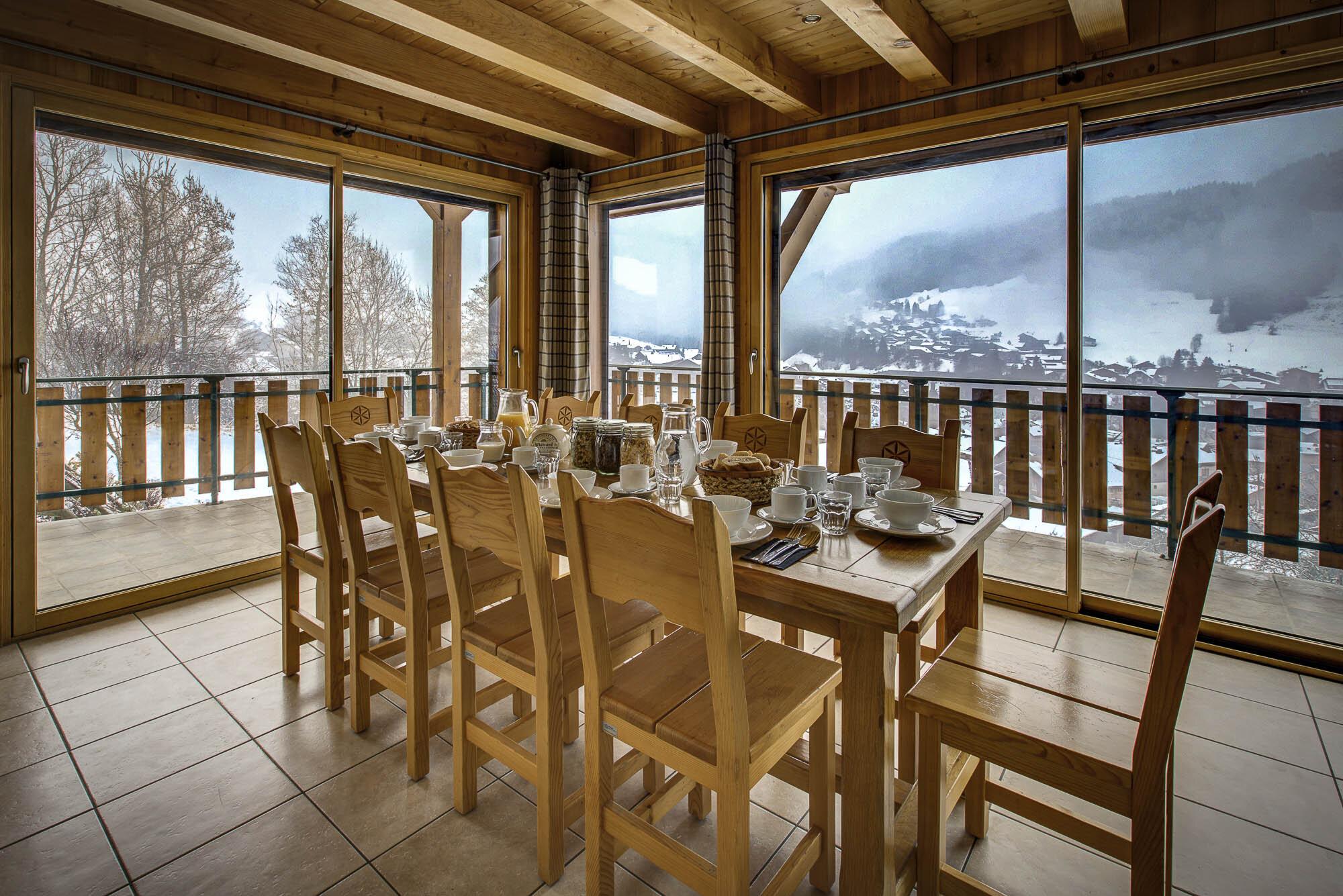 tg-ski-chalet-le-roc-soleil-morzine-002.jpg
