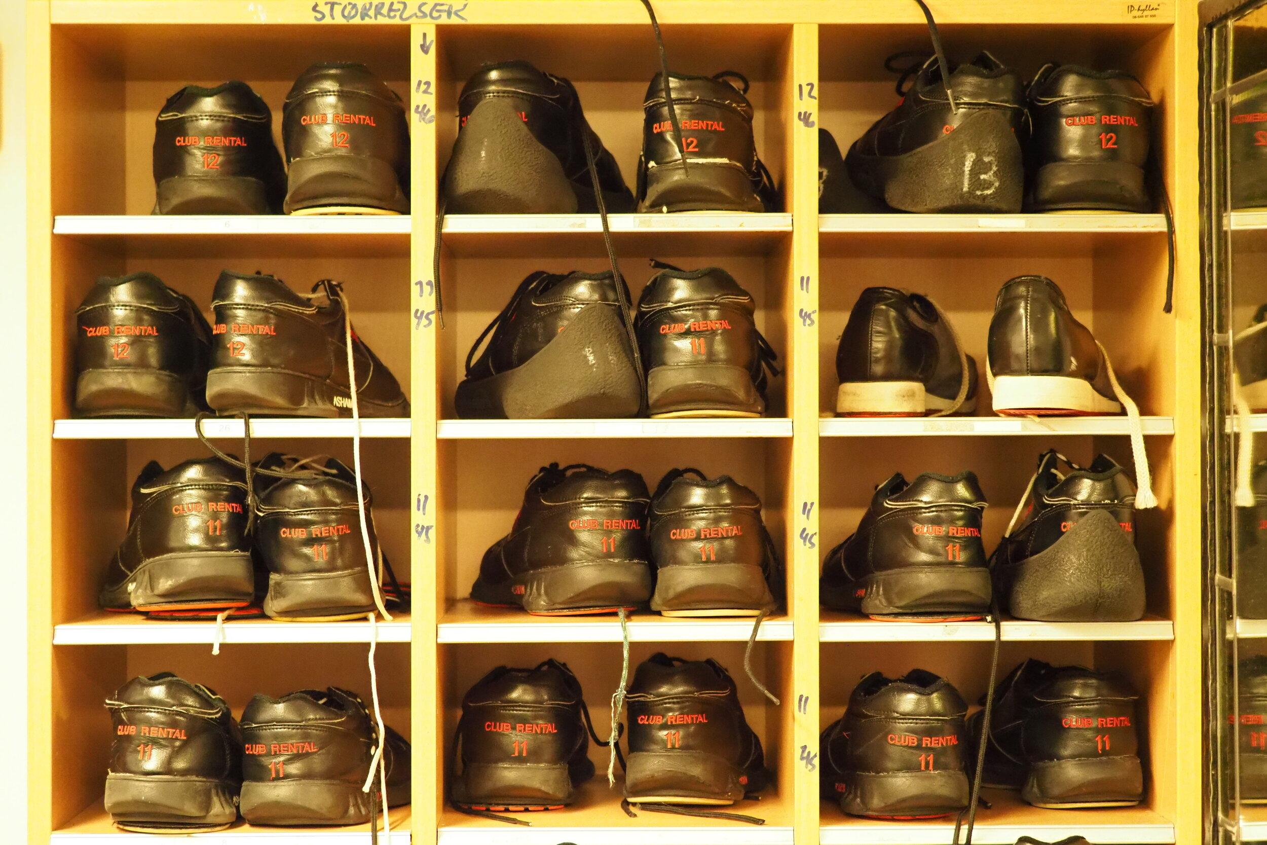Vi har alt som trengs av utstyr, sko i alle størrelser.