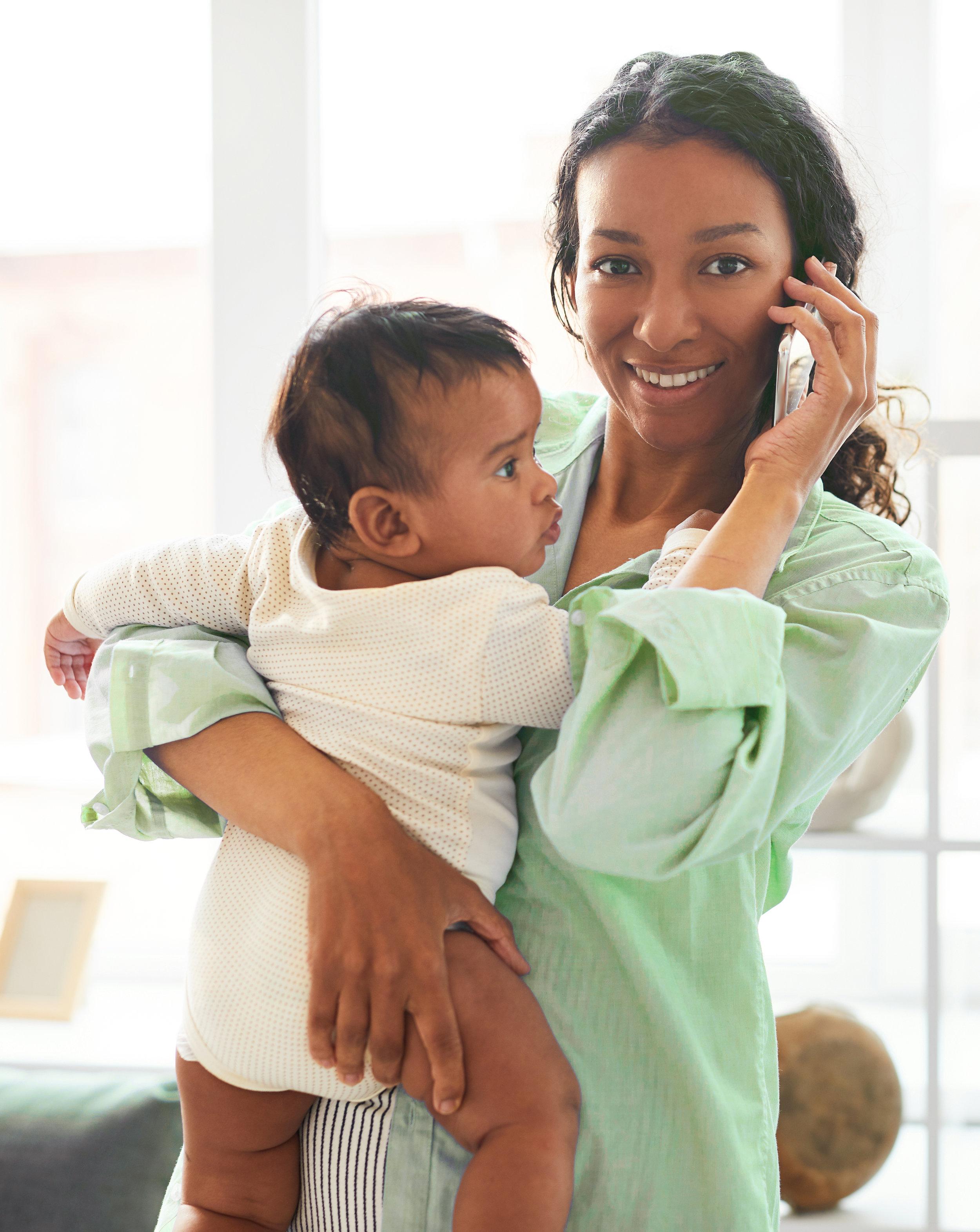 lifestyle-of-modern-young-mom-B7ATURC1.jpg