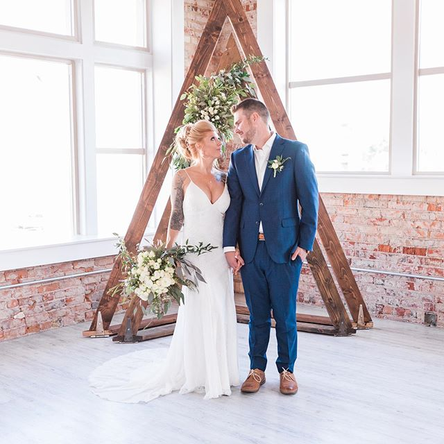 Are you looking for the perfect arch?  Are you a DIY bride who's tried to build your own arch?  We can help! Not only do we have arches available for your big day, but we have OPTIONS! ———————————————————————— If you have an event coming up be sure to contact us today to get your arch, and date, reserved. #weddingarch #utahwedding #weddingvenue #weddinginspiration #bridetobe2019 #utahbrides #engagement #weddingdecor