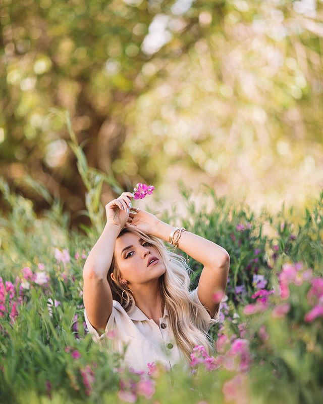 I've had my Canon 135mm for years and before that it was used and loved by my photo friend @mikejohnson.photo . It has the most unique coloring and lens distortion in the best way. It's not an everyday lens but I love it.  #canon #canon135mm #depthoffield #flowers #utahmodel #utahphotographer #ogden #purple