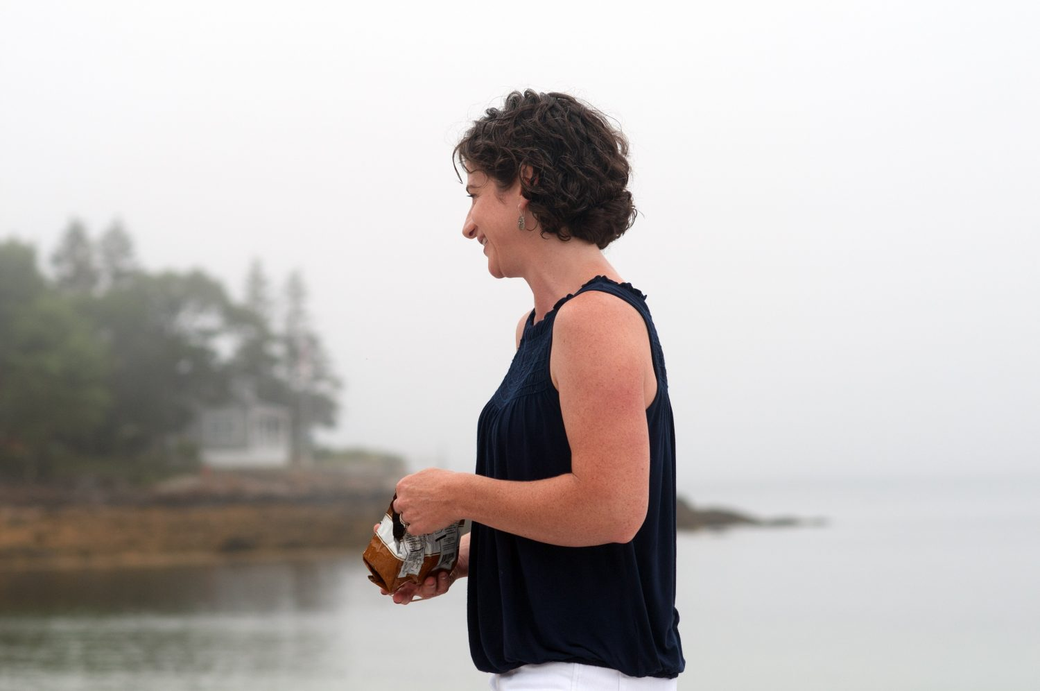 Profile_of_smiling_woman_in_Maine