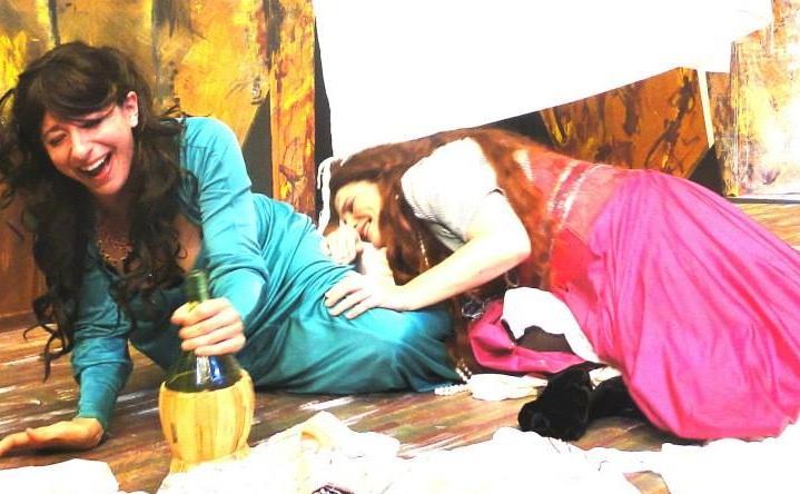 Desdemona (Tyrrell Woolbert) and Bianca (Leighza Walker)