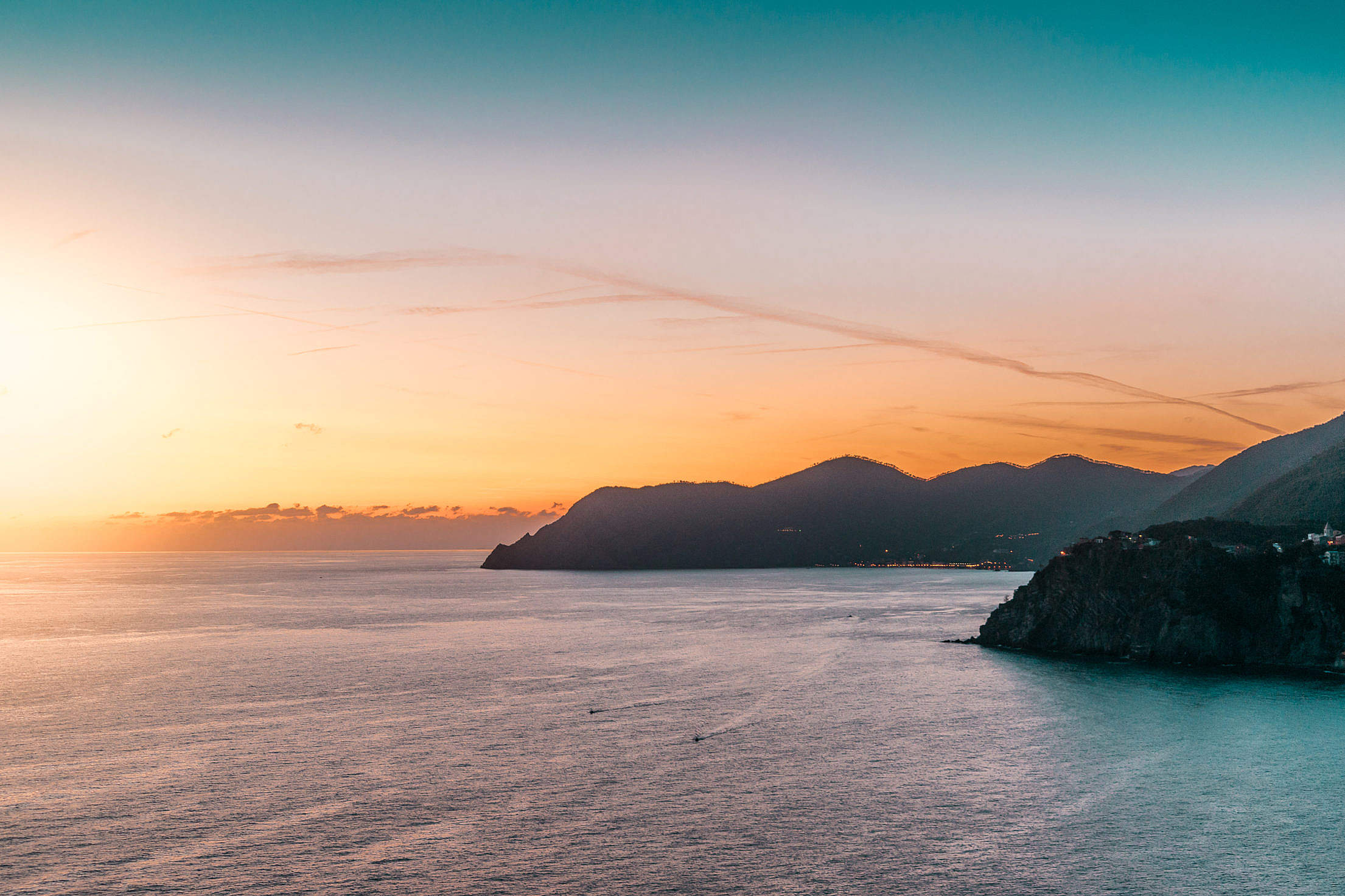 sunset-coastline-free-photo-DSC04245-2210x1473[1].jpg