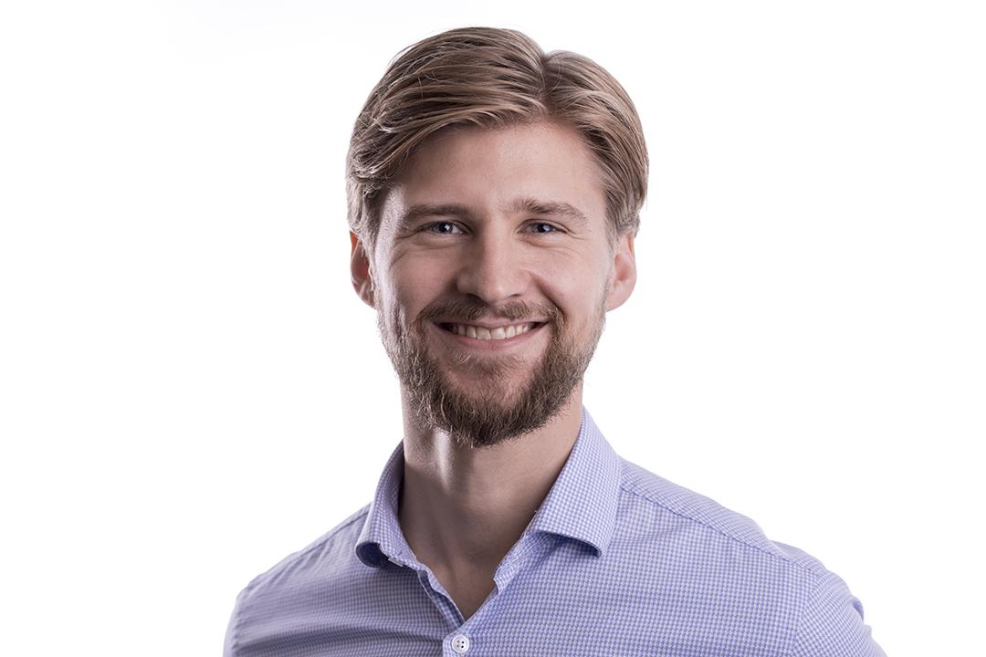 OM FORFATTEREN - Christoffer SteneKonsulent