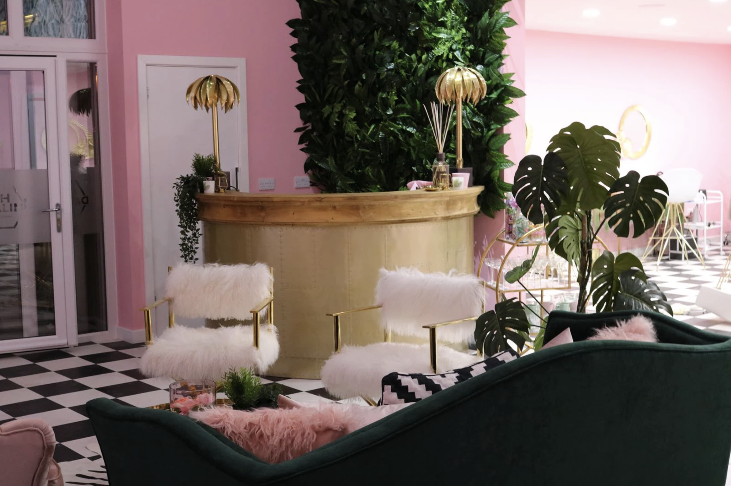 Oh Darlin' - This chic salon and training academy is based in Liverpool, founded by Beauty Educator Cheryl and Makeup artist Kate. The lush interior has a tropical but instagrammable vibe thanks to the contrasting green and pink interior elements with luxurious gold aspects.