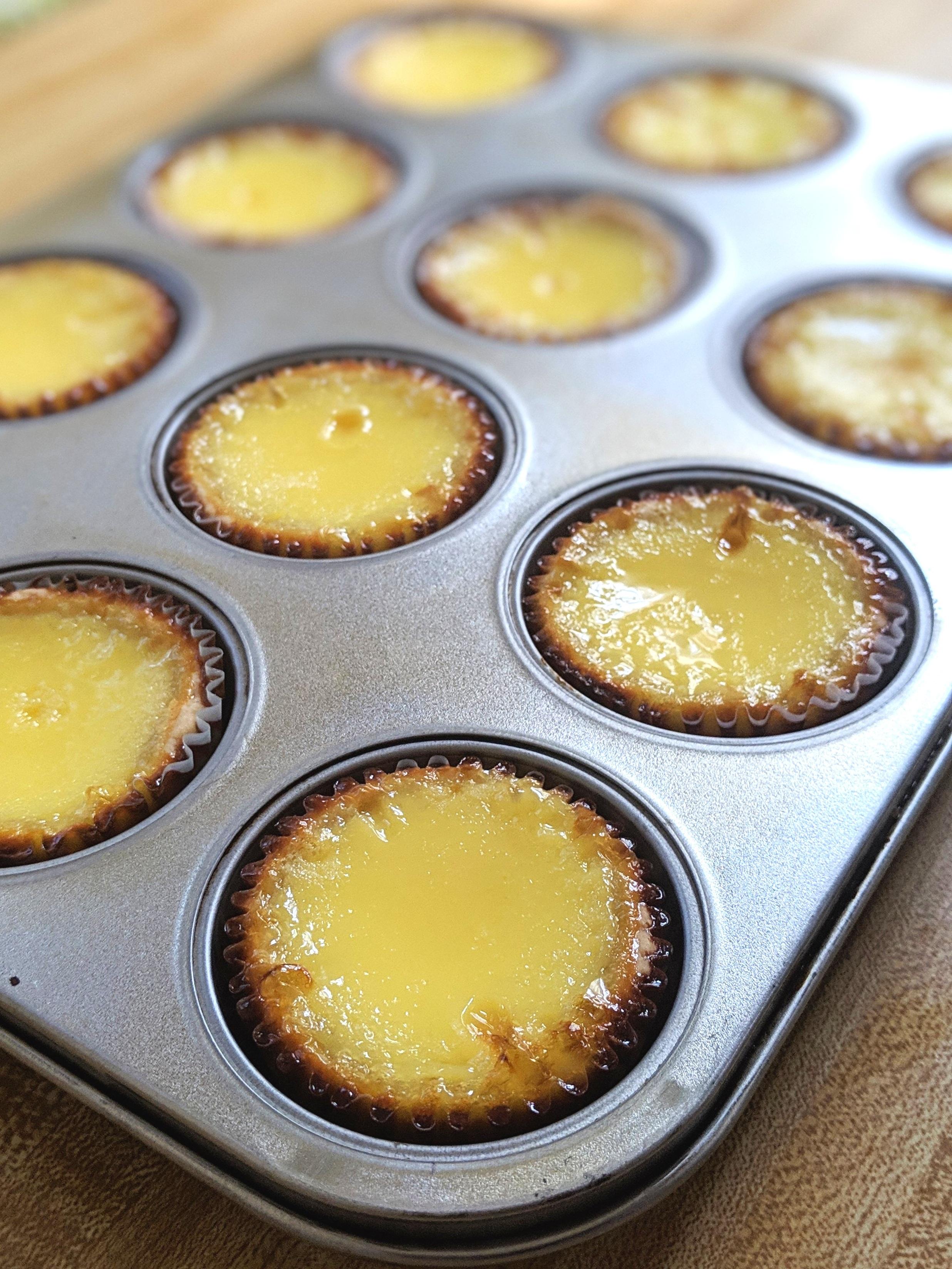 FoodPic_Egg+tarts+dozen+of+them