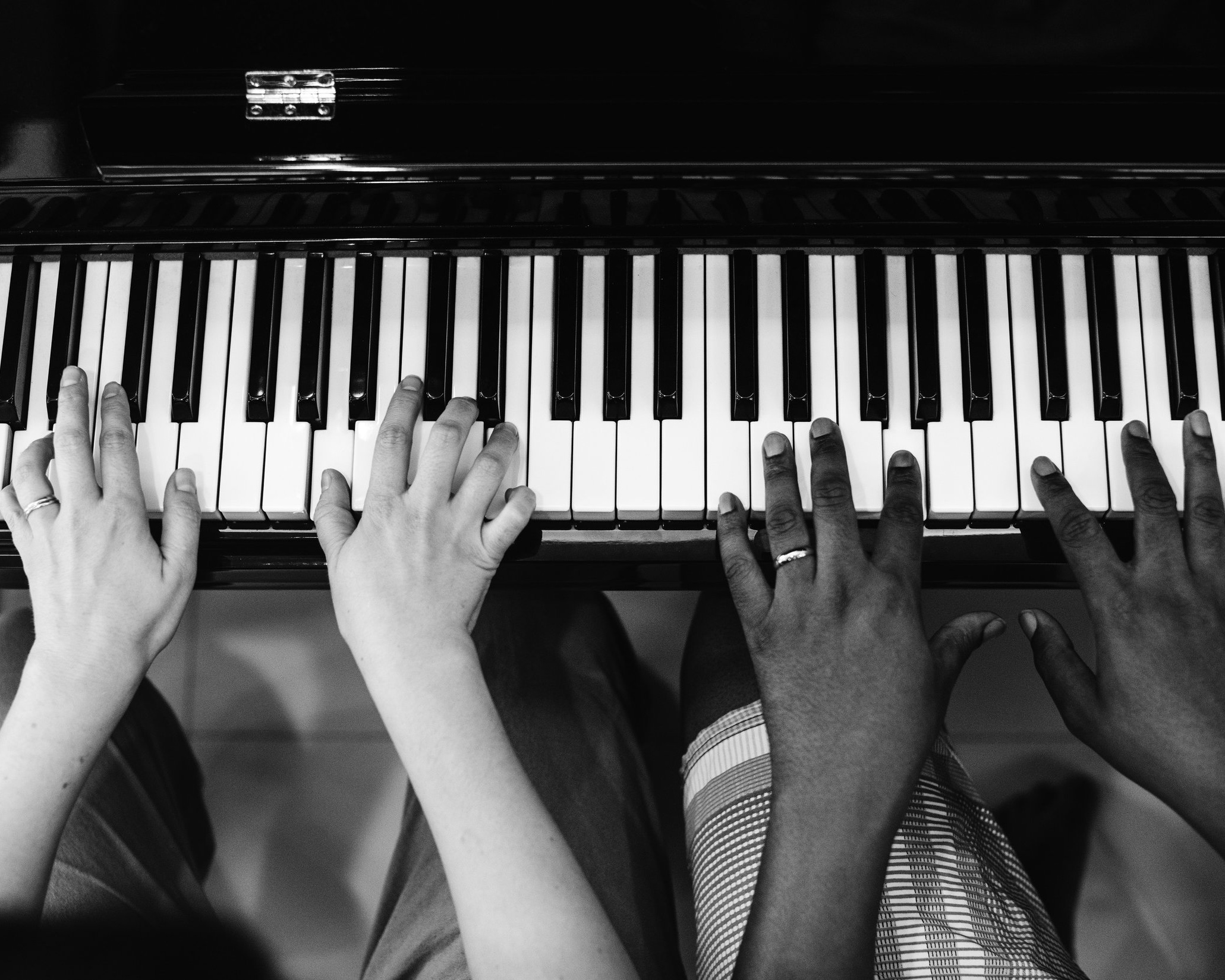 introductory lessons - Find out about how you can begin your musical journey with one on one experience from a professional musician.