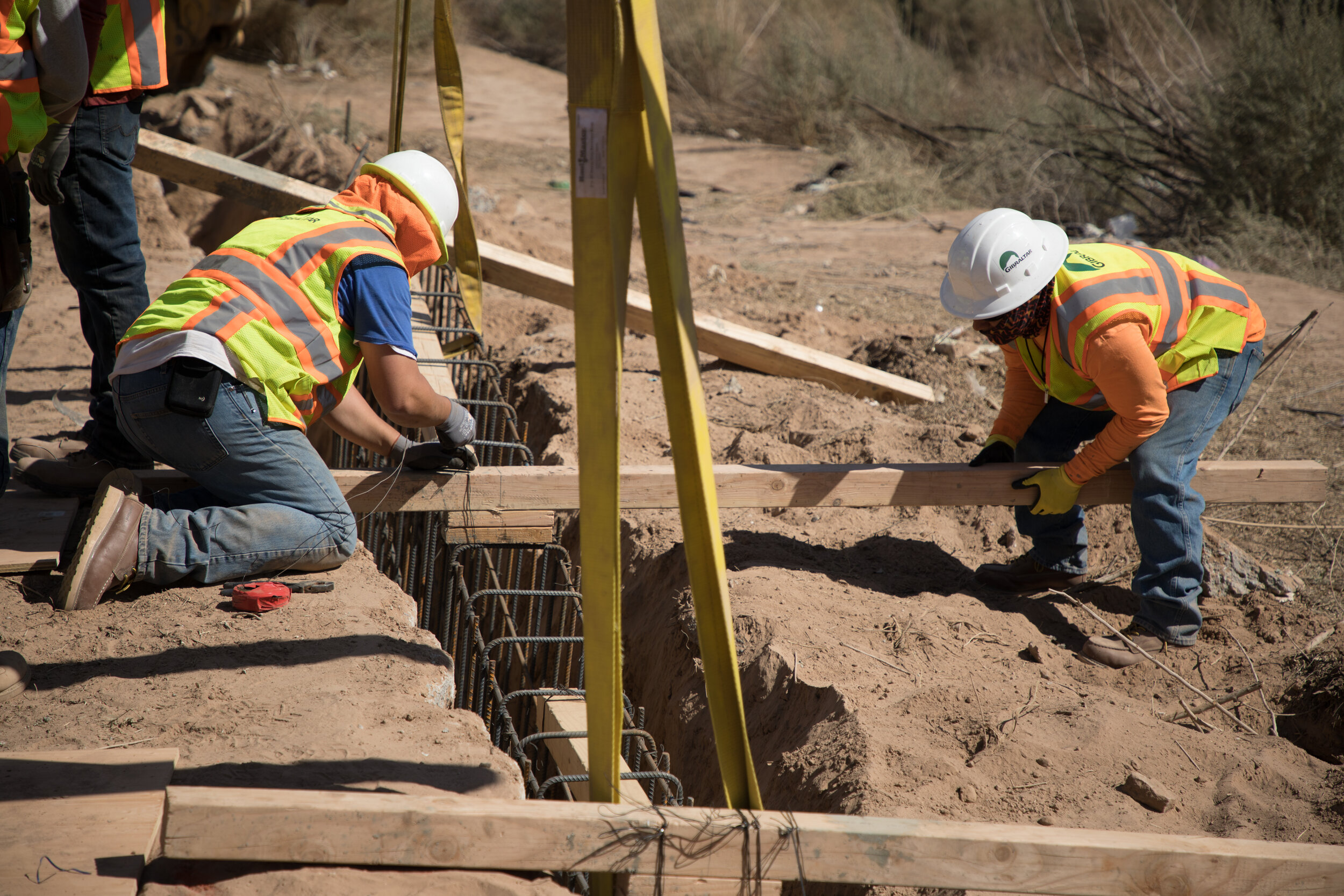 el-centro-border-wall-replacement-project_39825665614_o.jpg