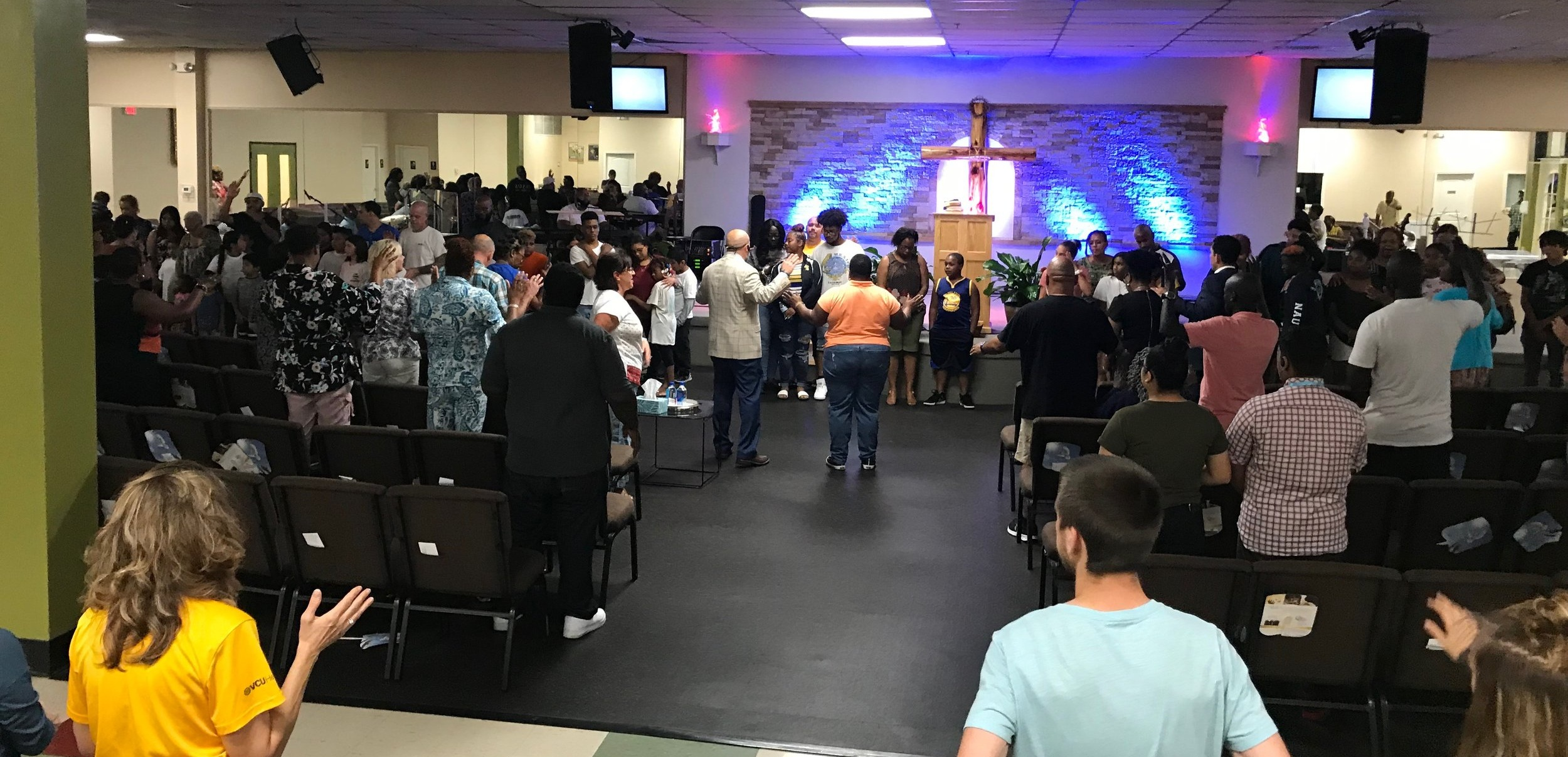 WELCOME TO M3 CHURCH    Sharing the love of God with no strings attached!