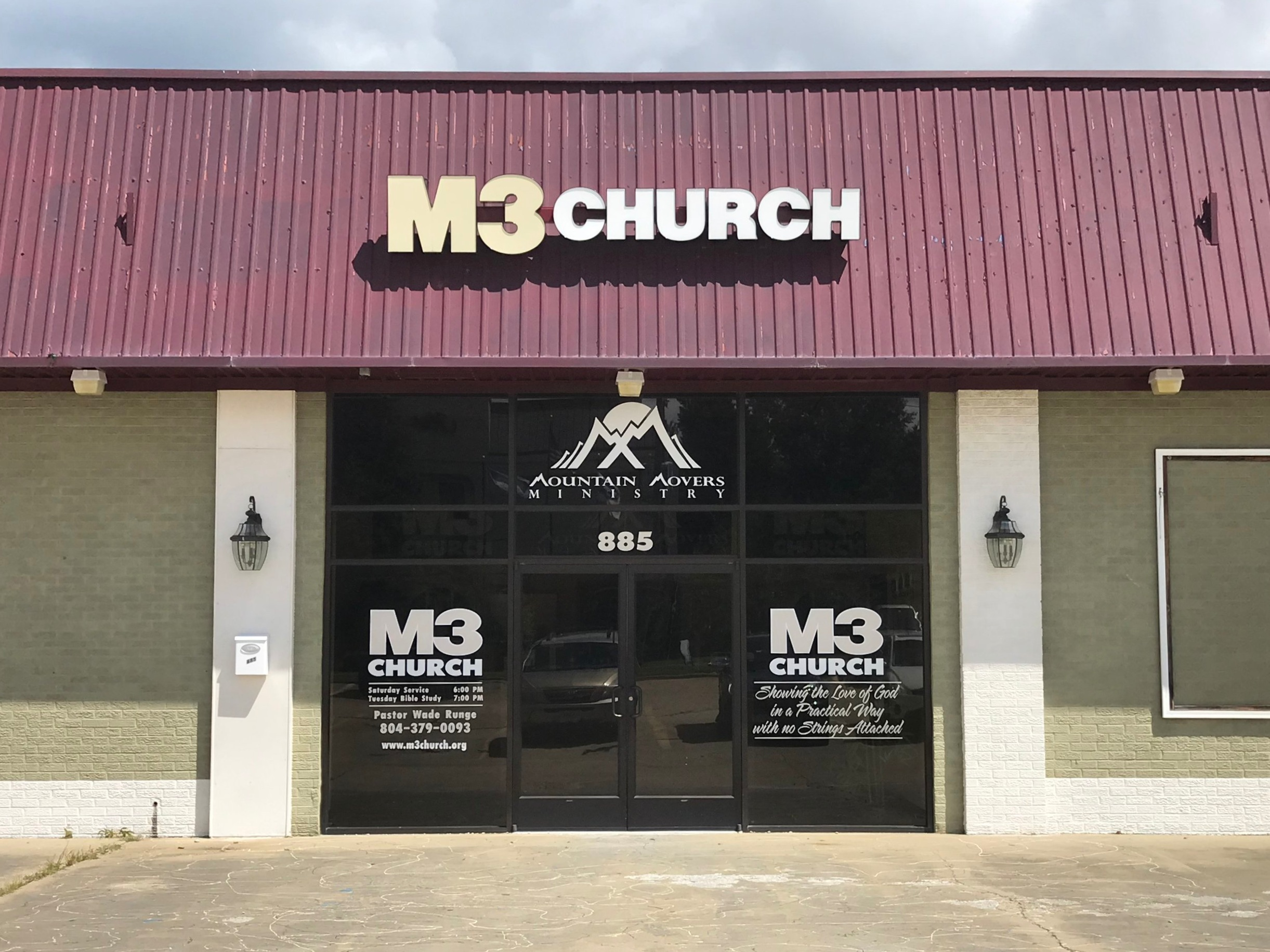 WELCOME TO M3 CHURCH    Sharing the love of God with no strings attached!     I'm New       Espanol