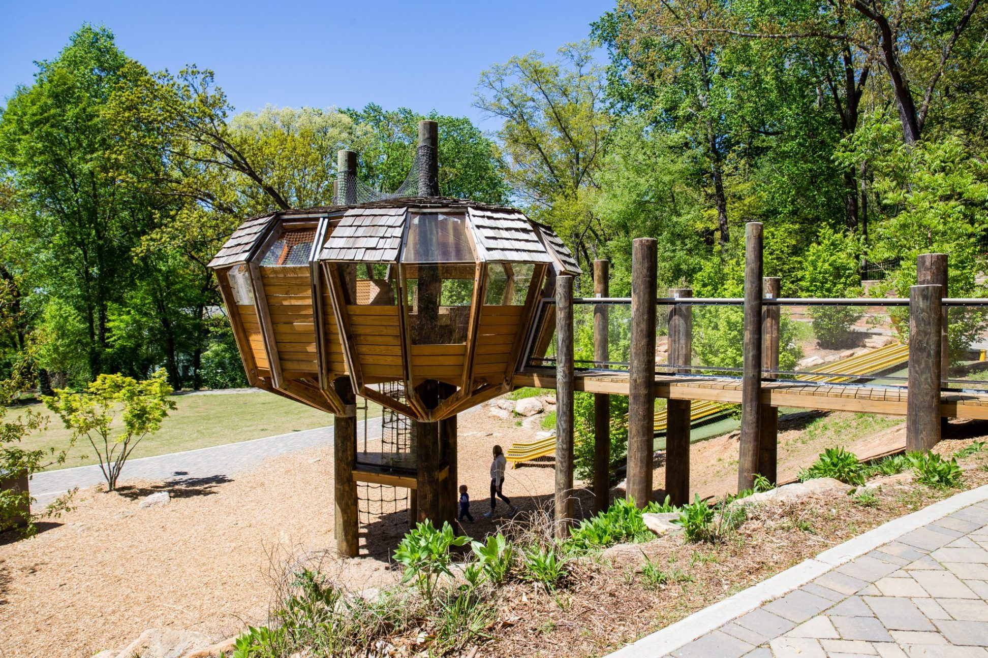 Play Chastain - ClientChastain Park ConservancyLocationAtlanta, GACompletion DateDecember 2015Brief Project DescriptionPlay Chastain entailed building out of new play structures and hardscapes in existing Chastain Park. The project included acres of hardscape and landscaping, a new treehouse, new play structures and a roller slide. Astra worked with Chastain Park Conservancy to create a world-class playground within the park.