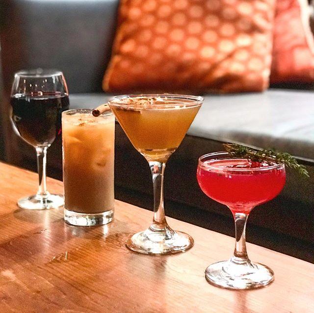 Hump day happy hour vibes 🍹🍸🍷 #oneofeachplease - - - - - #cocktailporn #topchicagorestaurants #happyhour #chicagobars #craftcocktails #mixology #drinkstagram #cocktailbar #chicagogram #chicagosbest #draaanks #chicagofoodscene #igerschicago #eaterchicago #chicagofoodauthority #chicagoeats #312food #bestfoodchicago #cocktailhour