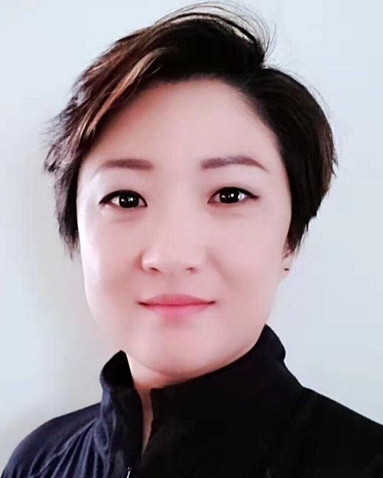- Li LuoOffice manager