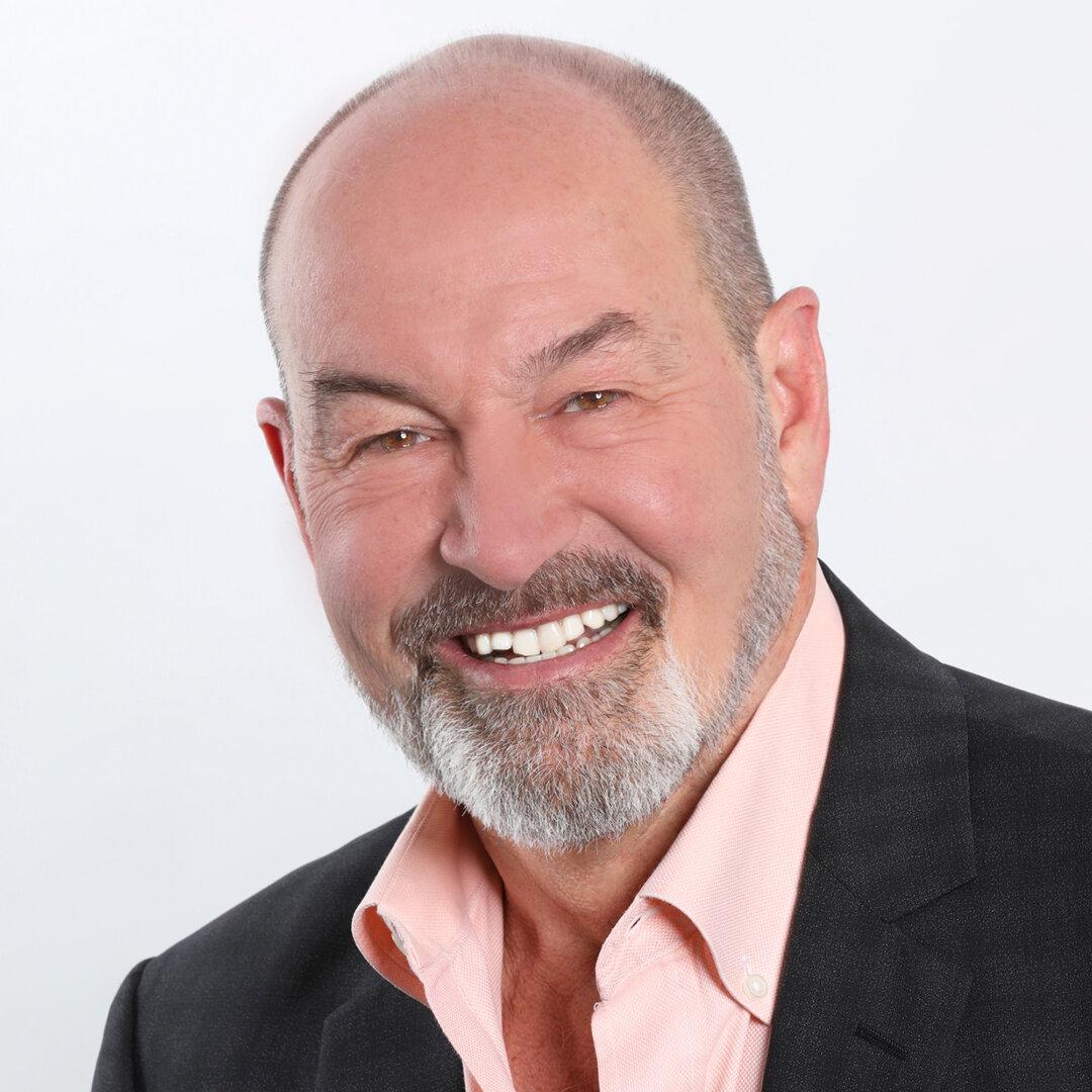 Dr. Tony Mills Square Headshot.jpg