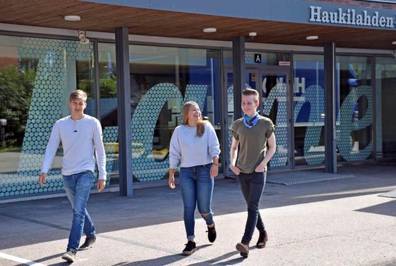 Tarinamme - Haukilahden lukio Otaniemessä? Innostava ilmapiiri ja laadukasta opetusta? Huippu-urheilua ja oppimista? Millainen lukio on kyseessä?