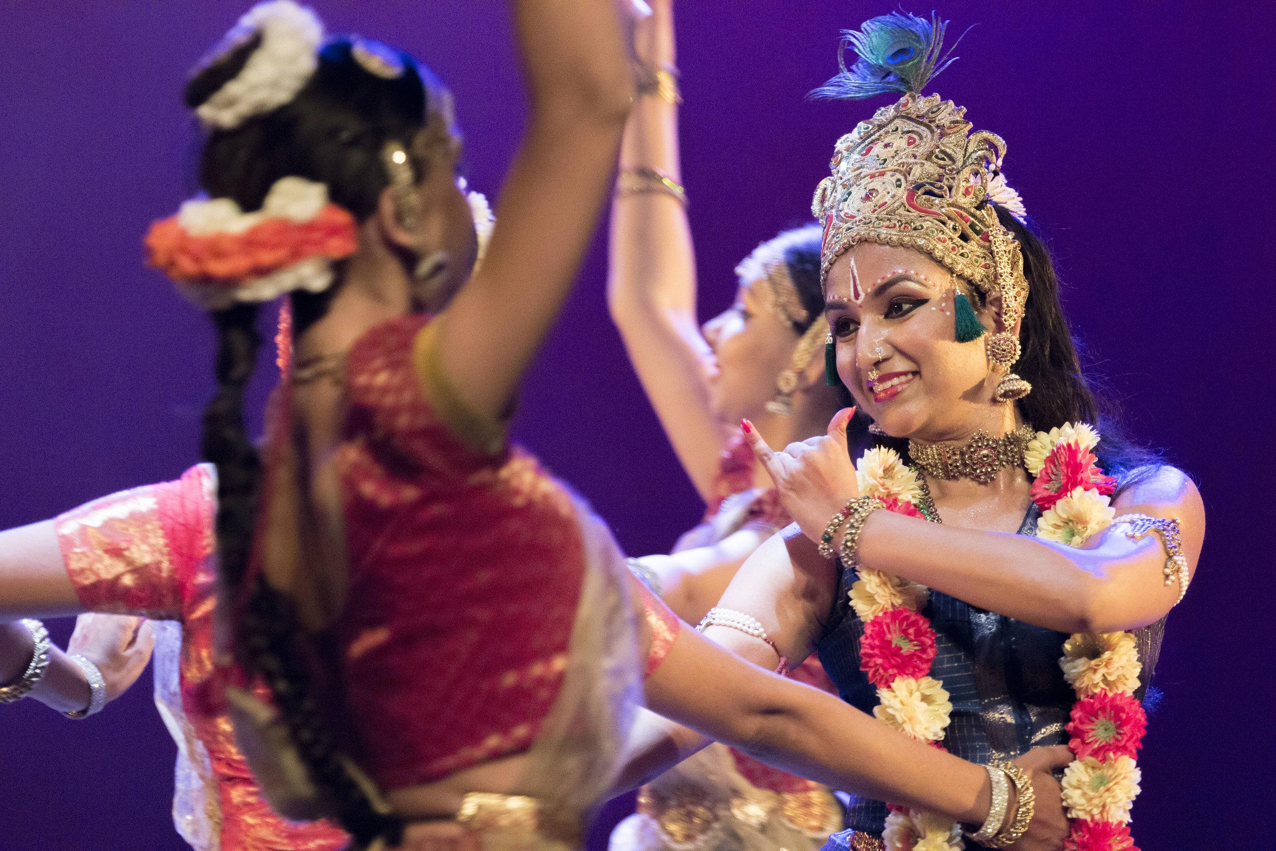 Lord Krishna dancing with 1600 gopikas (maidens) ©Inni Singh
