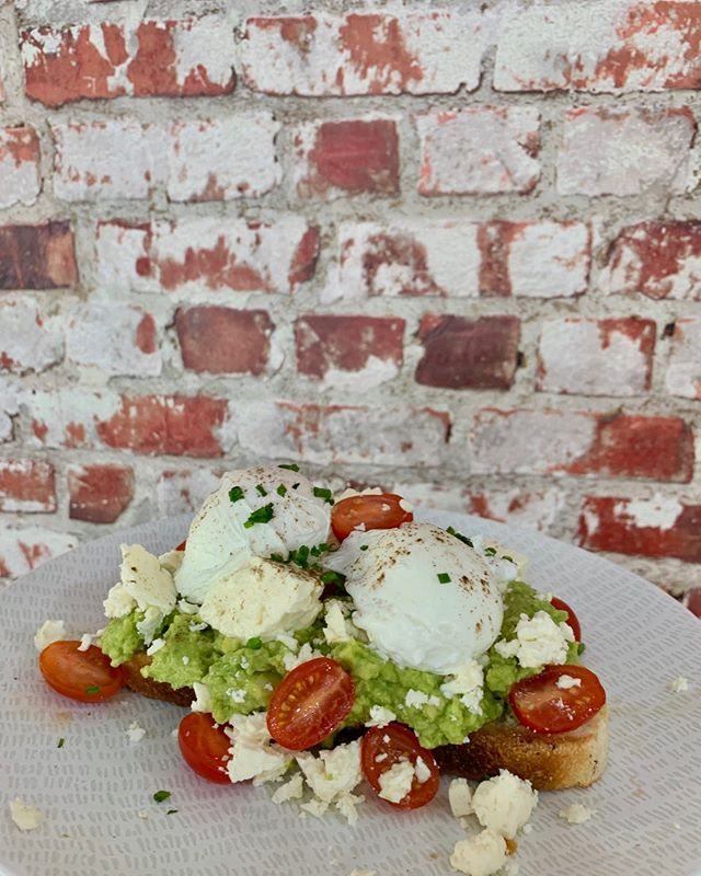 Are you even a cafe if you don't have smashed avo on the menu?  Come on in and try out our breakfast and lunch menu, there's something on there for everyone and it won't disappoint 🙌🏼 #parapbakery ⠀⠀⠀⠀⠀⠀⠀⠀⠀ . ⁠⠀⠀⠀⠀⠀⠀⠀⠀⠀ .⁠⠀⠀⠀⠀⠀⠀⠀⠀⠀ .⁠⠀⠀⠀⠀⠀⠀⠀⠀⠀ .⁠⠀⠀⠀⠀⠀⠀⠀⠀⠀ .⁠⠀⠀⠀⠀⠀⠀⠀⠀⠀ .⁠⠀⠀⠀⠀⠀⠀⠀⠀⠀ #darwin #darwinlife #darwinstyle #darwincafe #darwinfoodies #darwinevents #darwinbakery #picnic #darwin #food #foodie #life #delicious #yummy #boundlesspossible #freshbread #bakedfresh #ntlife #darwinnt #tourismnt⁠ #mondayblues #monday #coffee #grinderscoffee