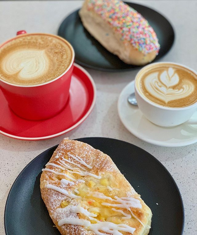 Only a few more hours until the weekend hits 🙌🏼 We'll be celebrating with a baked delight and coffee, who's joining us? 😍 #parapbakery ⠀⠀⠀⠀⠀⠀⠀⠀⠀ . ⁠⠀⠀⠀⠀⠀⠀⠀⠀⠀ .⁠⠀⠀⠀⠀⠀⠀⠀⠀⠀ .⁠⠀⠀⠀⠀⠀⠀⠀⠀⠀ .⁠⠀⠀⠀⠀⠀⠀⠀⠀⠀ .⁠⠀⠀⠀⠀⠀⠀⠀⠀⠀ .⁠⠀⠀⠀⠀⠀⠀⠀⠀⠀ #darwin #darwinlife #darwinstyle #darwincafe #darwinfoodies #darwinevents #darwinbakery #picnic #darwin #food #foodie #life #delicious #yummy #boundlesspossible #freshbread #bakedfresh #ntlife #darwinnt #tourismnt⁠ #mondayblues #monday #coffee #grinderscoffee