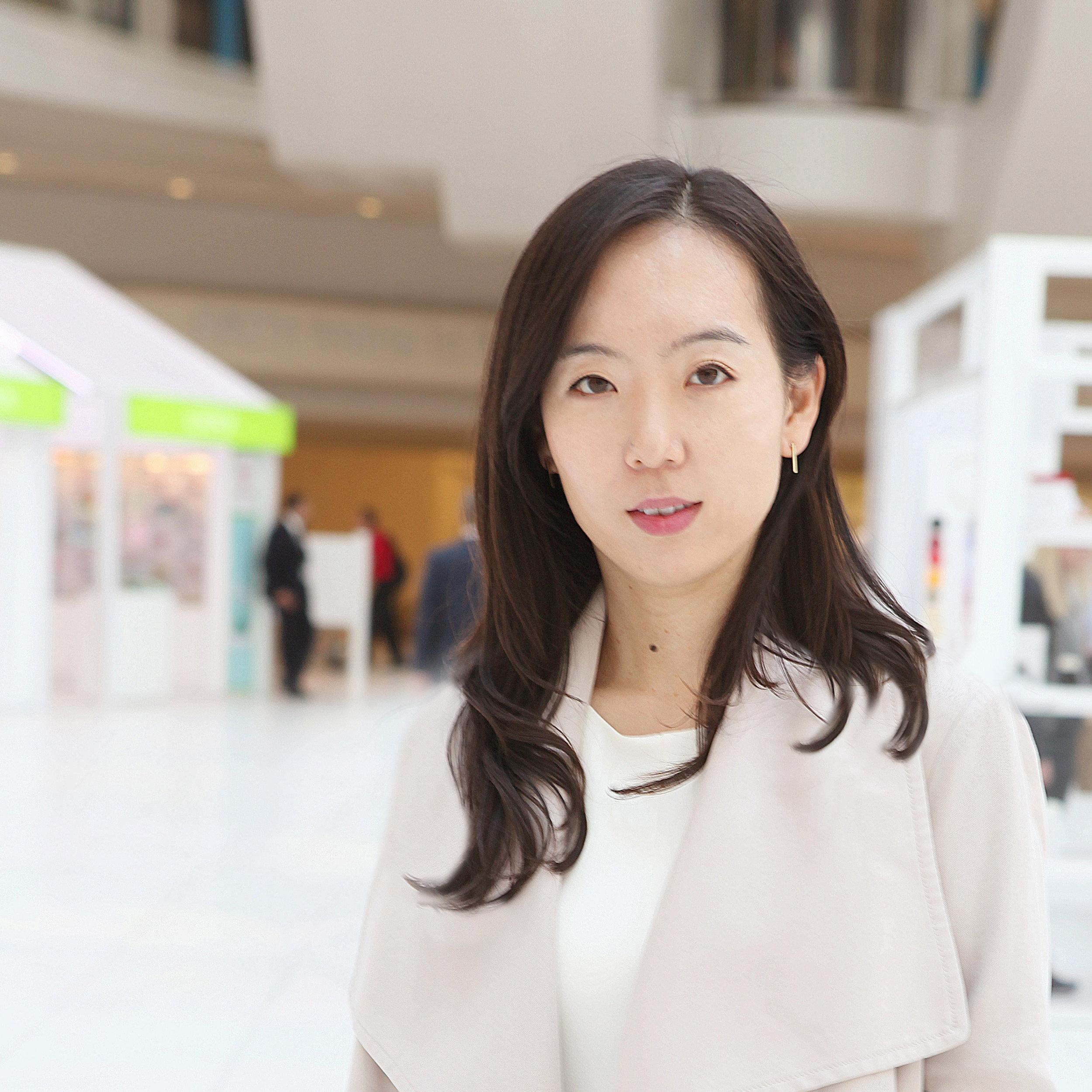 Ji Young Kim_Praxes.jpg