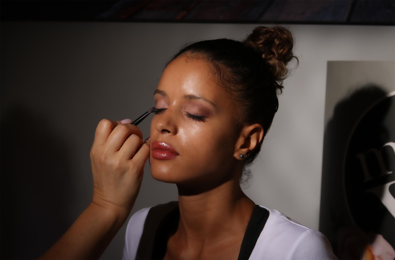 Maquillage - Une occasion, une fête, un mariage, une sortie ou simplement pour vous faire plaisir, nous saurons mettre en valeur votre visage.