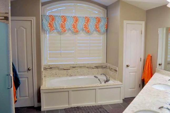 bathroom-with-Piedrifina-marble-bathtub.jpg