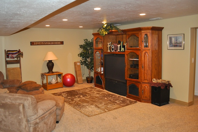 townhome-basement-finish-family-room.jpg